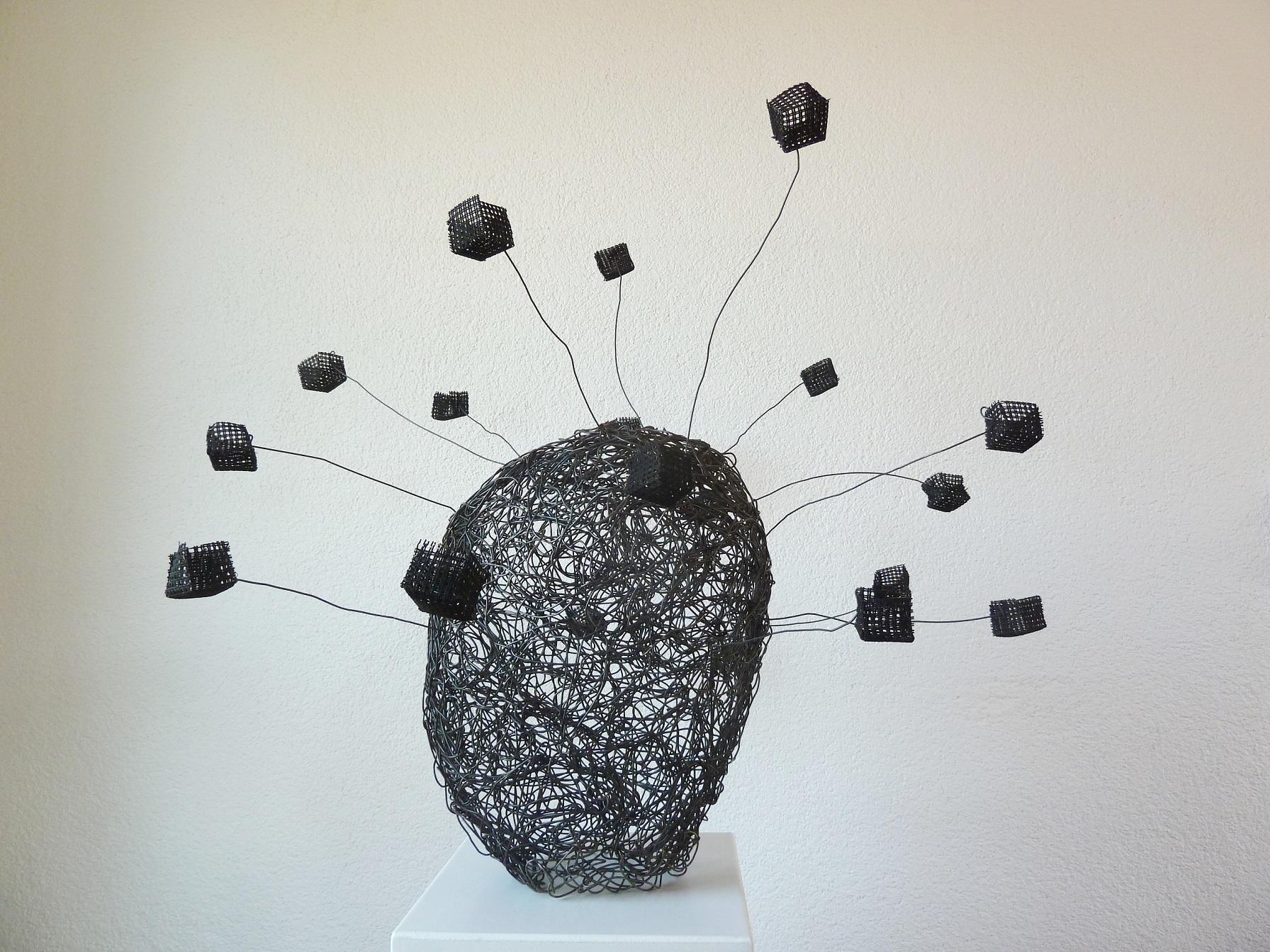 """""""Räume denken"""", 2021, Eisendraht, Stramin, Tusche, 75x80x70 cm"""
